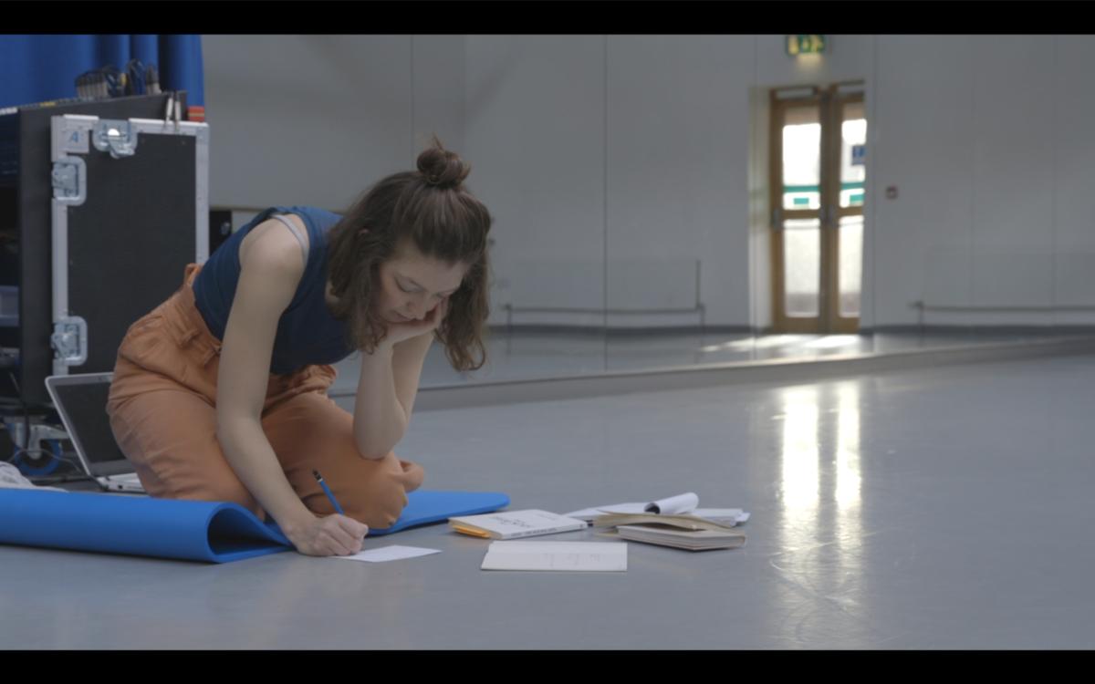 Gwynne Bilski working in studio